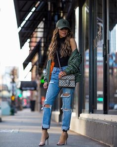 Dinner date outfit casual, casual winter outfits, city outfits, outfits with hats, Dinner Date Outfit Casual, Casual Winter Outfits, Spring Outfits, Trendy Outfits, City Outfits, Outfits With Hats, Fashion Outfits, Cap Outfits For Women, Winter Date
