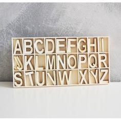 Letterbak met losse houten letters