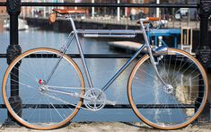 Yorkshire's detail Design Agency made a splash last year with a porteur they crafted from a careful selection of components. The result was glaringly brilliant and they've now followed on that success with a similarly spectacular townie.