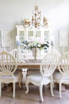A beautiful vintage glam home tour, set in Minnesota. There is so much to see in this home including a mix of vintage glam, farmhouse chic. French Country Cottage, Shabby Cottage, French Country Decorating, Cottage Decorating, Country Chic, Cottage Chic, Shabby Chic, New Countertops, Cottage Style Homes