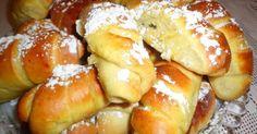 Εξαιρετική συνταγή για Τσουρεκάκια- κρουασανάκια. Για τον καφέ μας, ταιριάζουν πολύ. Λίγα μυστικά ακόμα Μυρωδάτα και αφράτα.