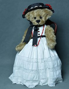 Oh Suzannah - English Mohair Bear - www.vickylougher.com #artistbear…