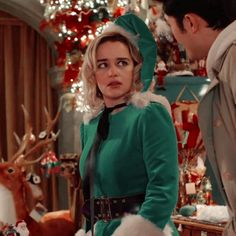 only emilia clarke Last Christmas Movie, Christmas Icons, White Christmas, Emilia Clarke Hot, Emelia Clarke, Emilia Clarke Daenerys Targaryen, Regulus Black, Mother Of Dragons, Iconic Movies