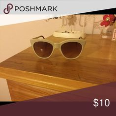 Forever 21 nude cat eye sunglasses Got these and literally used them for a couple of hours on one day, I will include a soft case for these and free gift!;) Forever 21 Accessories Glasses