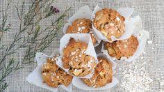 Deze ontbijtmuffins met appel en kaneel zijn een heerlijk gezond begin van de dag. Maak ze van te voren klaar en je hebt er dagen plezier van!