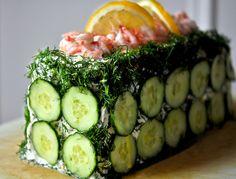 - SmørgåsTårta - Sandwich Tarta - artic shrimps, smoked salmon, eggs, cucumber and Dill - a good looking brunch/lunch tarta..
