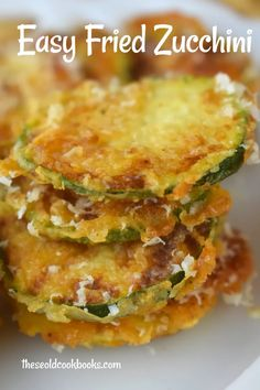 Easy Pan Fried Zucchini is a fast side dish to use up garden zucchini. These zucchini coins are breaded lightly and pan fried until crispy and delicious. Fried Zucchini Batter, Zucchini Fries Baked, Roast Zucchini, Bake Zucchini, Veggie Fries, Fried Zuchinni, Fried Zucchini Sticks, Zucchini Bread, How To Fry Zucchini