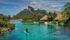 Paddle boarding - Yoga - Fitness in Bora Bora. Paddle Board Yoga, Places To Travel, Travel Destinations, Places To Go, Need A Vacation, Vacation Spots, Vacation Ideas, Bora Bora, Places Around The World