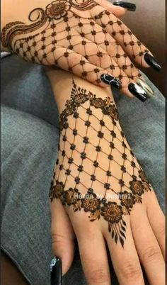 Simple Mehndi Designs Collection - The handmade craft Modern Henna Designs, Henna Tattoo Designs Simple, Latest Bridal Mehndi Designs, Finger Henna Designs, Full Hand Mehndi Designs, Henna Art Designs, Mehndi Designs For Girls, Mehndi Designs For Beginners, Dulhan Mehndi Designs