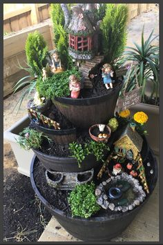 46 Best Items For Assembling Diy Fairy Houses Design Ideas If you have a suitable space in the backyard and have kids who love fantasy and nature, then why not […] Fairy Garden Pots, Fairy Garden Houses, Garden Terrarium, Garden Art, Garden Crafts, Garden Projects, Fairy Tree Houses, Miniature Fairy Gardens, Flower Pots