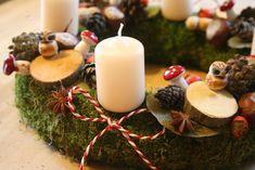 """Egyik kedvencünk ez a koszorú, amin egy mesebeli erdő nőtt. Az adventi koszorúk nagy rajongója, <a href=""""http://kiflieslevendula.blogspot.hu/2012/12/adventi-koszoru-negyszer.html"""