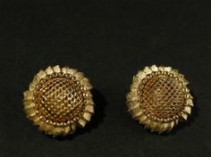 Vintage  Gold Sunflower Design Earrings by cerritorose on Etsy