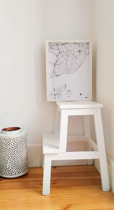 ⇨ Online sale of design world maps, perfect to decorate that important space for you. Look the world diferently and surprise yourself in 2019 with Mapper! World Map Poster, Special Meaning, Map Wall Art, Us Map, Map Design, Special Person, Lisbon, Design Your Own, Decorating Your Home