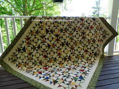 Update – The pattern is now published in my Craftsy store. Purchases fund the costs of the blog so I can continue to develop fun quilt alongs without resorting to ads. I hope you will cons…
