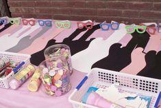 Pink Rockstar themed birthday party with So Many Really Fun Ideas via Kara's Party Ideas | Cake, decor, cupcakes, games and more! KarasParty...