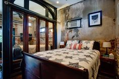 House in Denver, United States. This charming space once held horses in the 1880s.  Converted in 2007, this cozy space boasts all the amenities of home...full bath, laundry access, stainless appliances, with the vintage charm.  Gay-friendly Queen bed and futon.  Privacy tucked i...