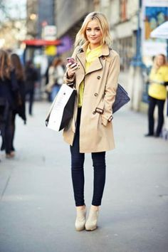 Classic look: Neutral Trench coat, skinny jeans, and tan booties