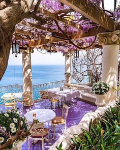 Breakfast with a view & vibe … Good times, will be back again and we will have all the more gratitude for the simple pleasures of life, like sitting under the trees with our friends and family. Sorrento Italy, Italy Italy, Toscana Italy, Capri Italy, Naples Italy, Venice Italy, Bellevue Syrene, Suffolk House, Balloon Curtains