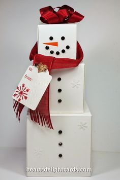 Looking for do-it-yourself Christmas gift ideas for family? It's much easier than you know to have ingenious this Xmas. Listed here are 20 made by hand souvenir tips to get you started out. Christmas Punch, Christmas Gift Box, Homemade Christmas Gifts, Christmas Gift Wrapping, Christmas Snowman, Christmas Ornaments, Diy Snowman, 242, Holiday Crafts
