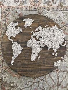 Made to Order World Globe String Art - Welt String Art Templates, String Art Patterns, Diy Home Crafts, Arts And Crafts, Arte Linear, Nail String Art, World Globes, World Globe Crafts, Thread Art