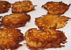 Oven-Fried Potato Latkes l Once Upon A Chef, the easy way! Actifry Recipes, Veg Recipes, Gourmet Recipes, Cooking Recipes, Potato Recipes, Potato Dishes, Veggie Side Dishes, Vegetable Dishes, Oven Fried Potatoes