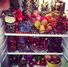 this is how i imagine my fridge when i live by myself