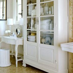 3 Stunning Useful Ideas: Shabby Chic Office Storage shabby chic office to get.Shabby Chic Mirror Old Windows shabby chic pillows cases.Shabby Chic Mirror Old Windows. Bad Inspiration, Bathroom Inspiration, Ideas Baños, Home Interior, Interior Design, Bathroom Interior, Furniture In Bathroom, Bathroom Organization, Organization Ideas
