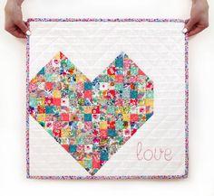 Free pattern - Mini Heart Quilt