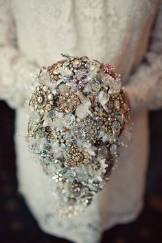 BOUQUET STYLE: silver teardrop broach bouquet #jewelry_bouquet #nontraditional_bouquet #cascading_broach_bouquet
