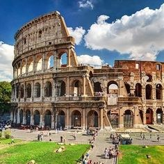 Colosseum in Rome, Italy. Ancient Roman Colosseum is one of the main tourist attractions in Europe. People visit the famous Colosseum in Roma center. Scenic view of Colosseum ruins in summer. Rome Vacation, Best Vacation Spots, Best Vacations, Vacation Rentals, Metro Travel, Places To Travel, Places To Visit, Tourist Places, Voyage Rome