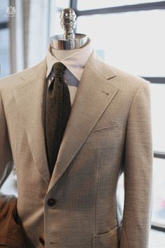 Tailorable wine label sports jacket _ Fabric from Loropiana (silk/linen) Tie _ tie your tie for Tailorable