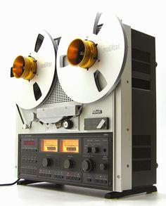 ReVox C270 2-track mastermachine... http://www.pinterest.com/0bvuc9ca1gm03at/