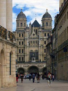 Dijon - France : église Saint-Michel