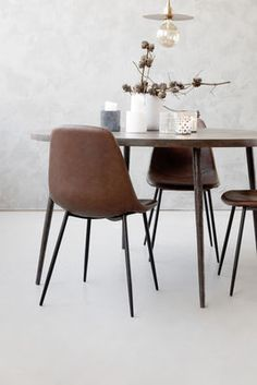 Forms Padded chair - / Imitation leather & steel Brown by House Doctor