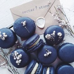 Nectar and Stone Macarons. Nectar And Stone, Cute Desserts, Delicious Desserts, Macaron Bleu, Kreative Desserts, French Macaroons, Blue Macaroons, Lavender Macarons, Laduree Macaroons