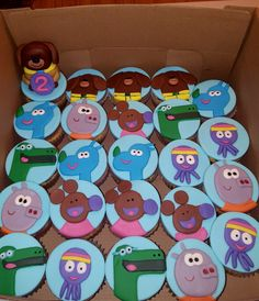 Hey Duggee cupcakes with fondant decorations Boys 1st Birthday Cake, Birthday Cupcakes, 2nd Birthday Parties, Birthday Party Decorations, Birthday Ideas, Family Birthdays, First Birthdays, Fondant Decorations, Donuts