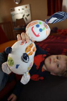 Bim*bulli aus einem Taschentuch aus der Kinderzeit mit Kartoffeldruckmotiven