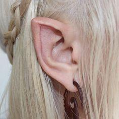 Elf Ear Modification Goals also a good ear reference Skyrim, Piercings, Cyborg Art, Labret Vertical, Mythos Academy, Half Elf, Catty Noir, Elf Ears, Pointed Ears