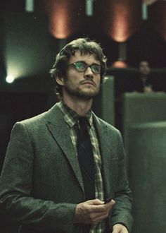 """Hugh Dancy in """"Hannibal""""... Visually stunning for a TV show and a great relationship is explored between Will Graham and Dr Hannibal Lecter"""