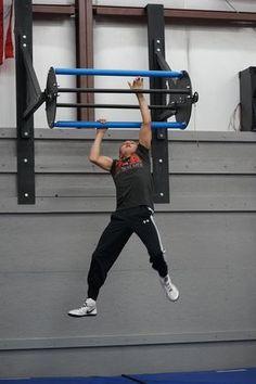 revolving pull-up bar ninja warrior Ninja Warrior Course, Ninja Warrior Gym, Suspension Training, Home Gym Design, Outdoor Gym, Gym Room, Body Weight Training, Garage Gym, Basement Gym