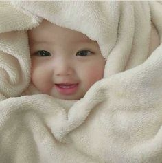 Trendy Baby Fashion Girl And Boy Cute Baby Boy, Cute Little Baby, Little Babies, Cute Kids, Baby Baby, Cute Asian Babies, Korean Babies, Asian Kids, Very Cute Baby Images
