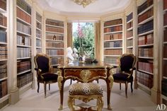 A 1970s addition to the building, once the residence of John's late grandmother, was gutted and converted into a library. Built-in bookshelves hold John's 17th-, 18th-, and 19th-century leather-bound volumes, primarily on music and history.