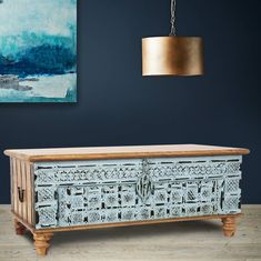 Vintage Trunk / Coffee Table in Turquoise.