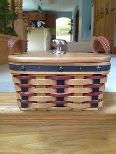 Longaberger 2003 berry basket combo proudly american with protector and wood lid   (: