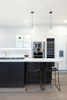 37 Gorgeous Black And White Kitchen Design Home Design White Kitchens BLACK Design Gorgeous Home Kitchen white Home Decor Kitchen, Kitchen Living, Interior Design Kitchen, New Kitchen, Kitchen White, Layout Design, Küchen Design, Design Ideas, Black Kitchens