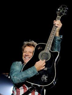 Jon Bon Jovi Photos - Jon Bon Jovi Performs in Hyde Park, London - Zimbio