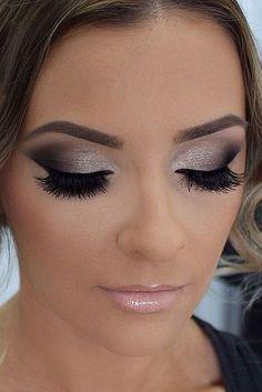 Maquillaje para vestido negro y azul