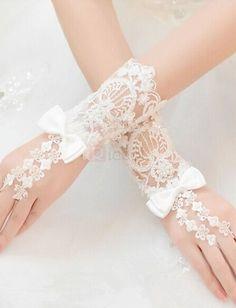 ❀ Beauty Beading Ivory Lace Fingerless Wedding Gloves   Riccol ❤