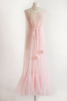 Pink Peignoir Nightgown - 1960's, Vintage Lingerie, Chiffon // Bridal Wedding…