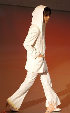 Prince's 20 Greatest Outfits of All Time: Prince in a White Hood at People's Choice Awards, 2005